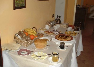 villa-collepere-breakfast