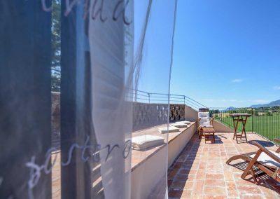 villa-collepere-suite-poesie-finestra