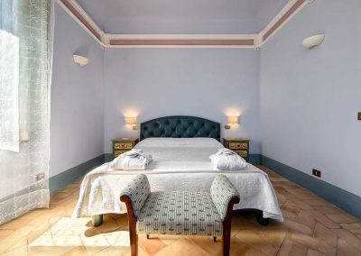 villa-collepere-suite-sibillini-double-bedroom